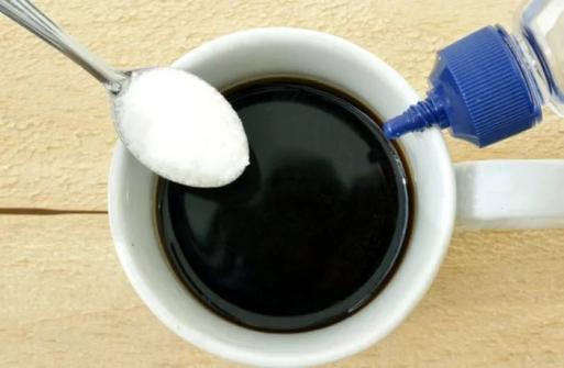 Imagem notícia Qual a diferença entre açúcar e adoçante?